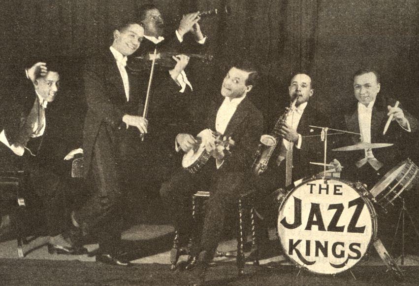另外,爵士樂也是在這個時期登場的唷! 爵士在1900年代初,於紐奧良誕生!