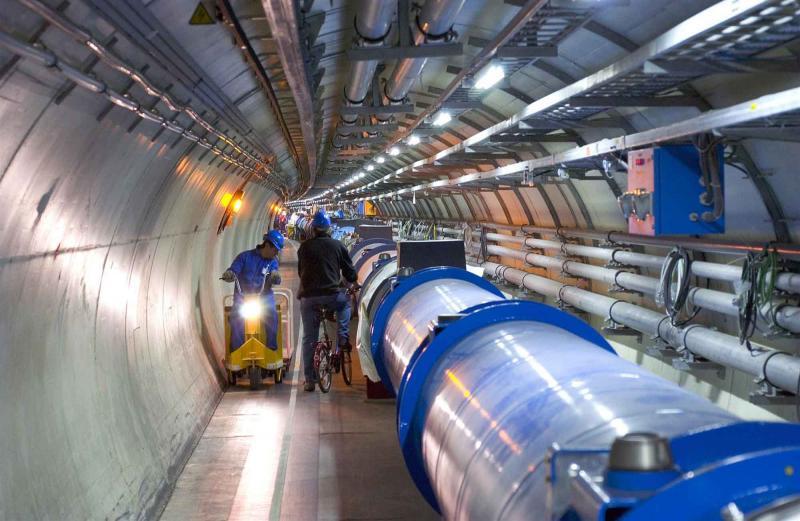 粒子的生命非常短暫, 因此研究所在設定時,使用了生命只有一秒的粒子!