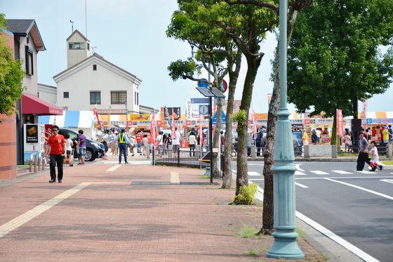 活動現場就僅離濱大津站10分鐘的距離! 走路就可以看見熱鬧的活動現場唷~