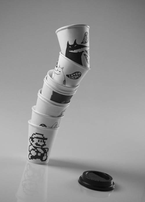 喜喝咖啡、茶的上班族,平均每人每年扔掉500個免洗杯, 很驚人吧!? 在美國,每年有超過230億的紙杯最終進了垃圾桶, 外加250億隻聚苯乙烯泡沫塑料製的杯子。