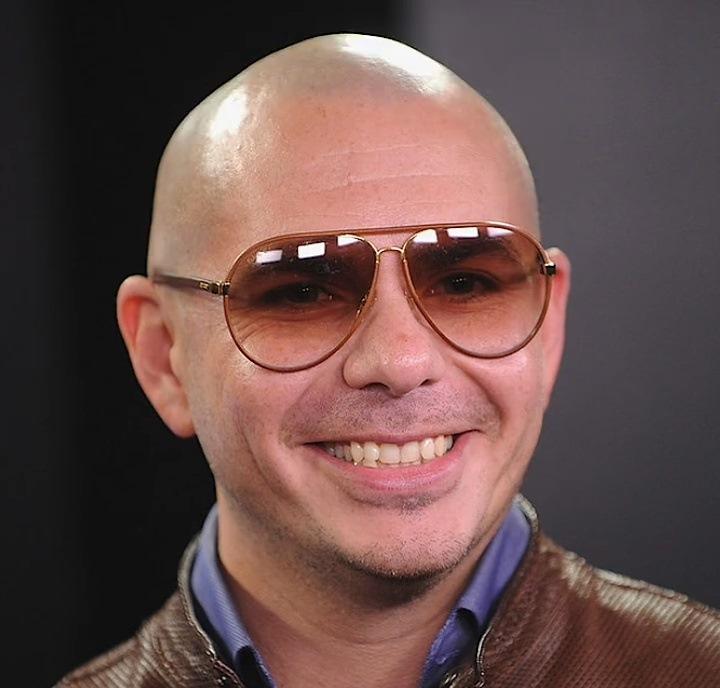 古巴裔饒舌歌手 嘻哈鬥牛梗