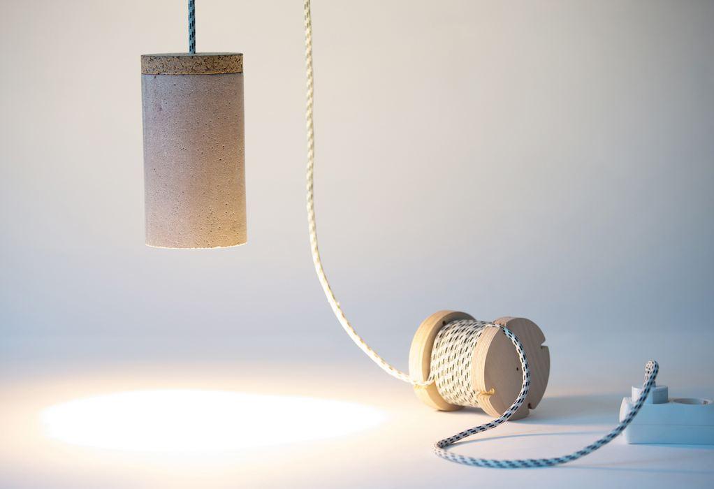 連上了電線之後 就是美麗的吊燈~