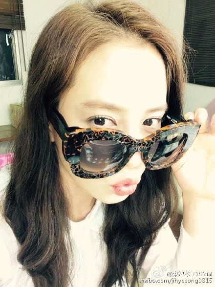 今年已經33歲的宋智孝,沒錯! 不說年紀的話,還以為她是女子偶像團體的成員勒~♥
