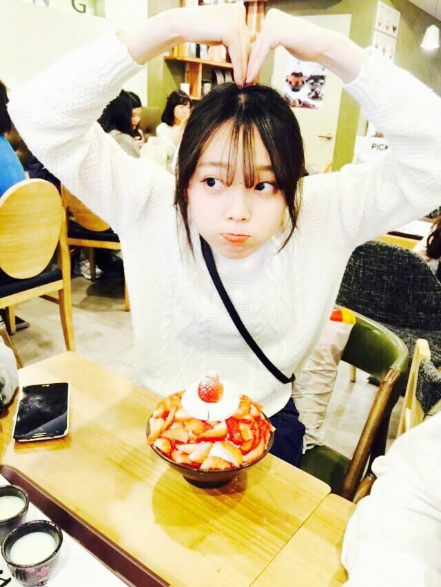 不過我們說的Cafe(咖啡廳) 並不一定只有賣咖啡 像夏天很多咖啡廳也會賣빙수(大碗裝著的冰淇淋) 台灣朋友說台灣叫做剉冰