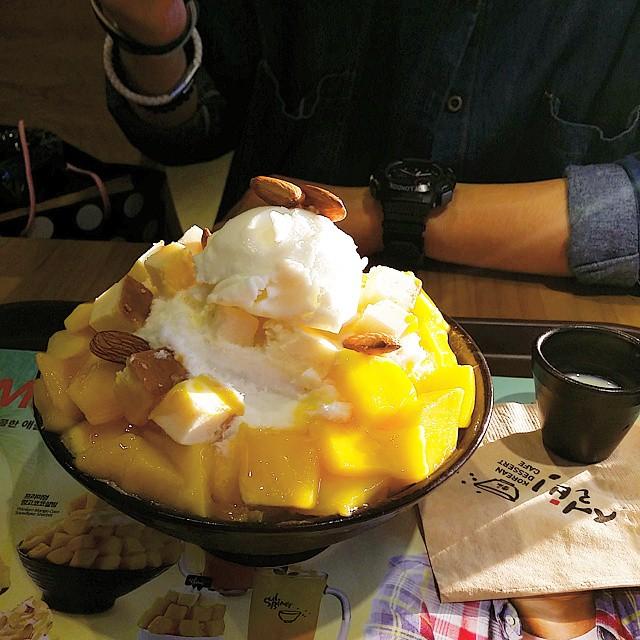還有台灣的芒果冰 韓國也吃得到唷~ 真的超~~~~~級好吃!