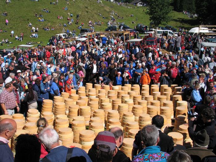 這個慶典是在瑞士最悠久的活動, 每年都有很多觀光客慕名而來呢!