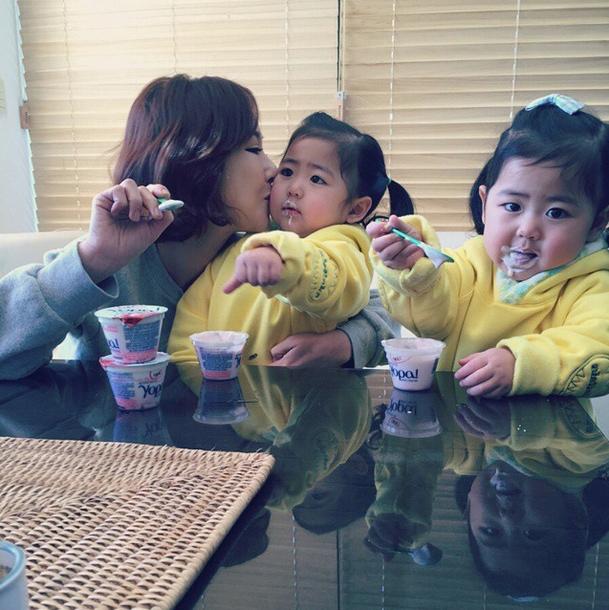 2013年7月2日來到這個世界上的兩位小天使♡ 羅希比羅律快了5分鐘出生,是姐姐!