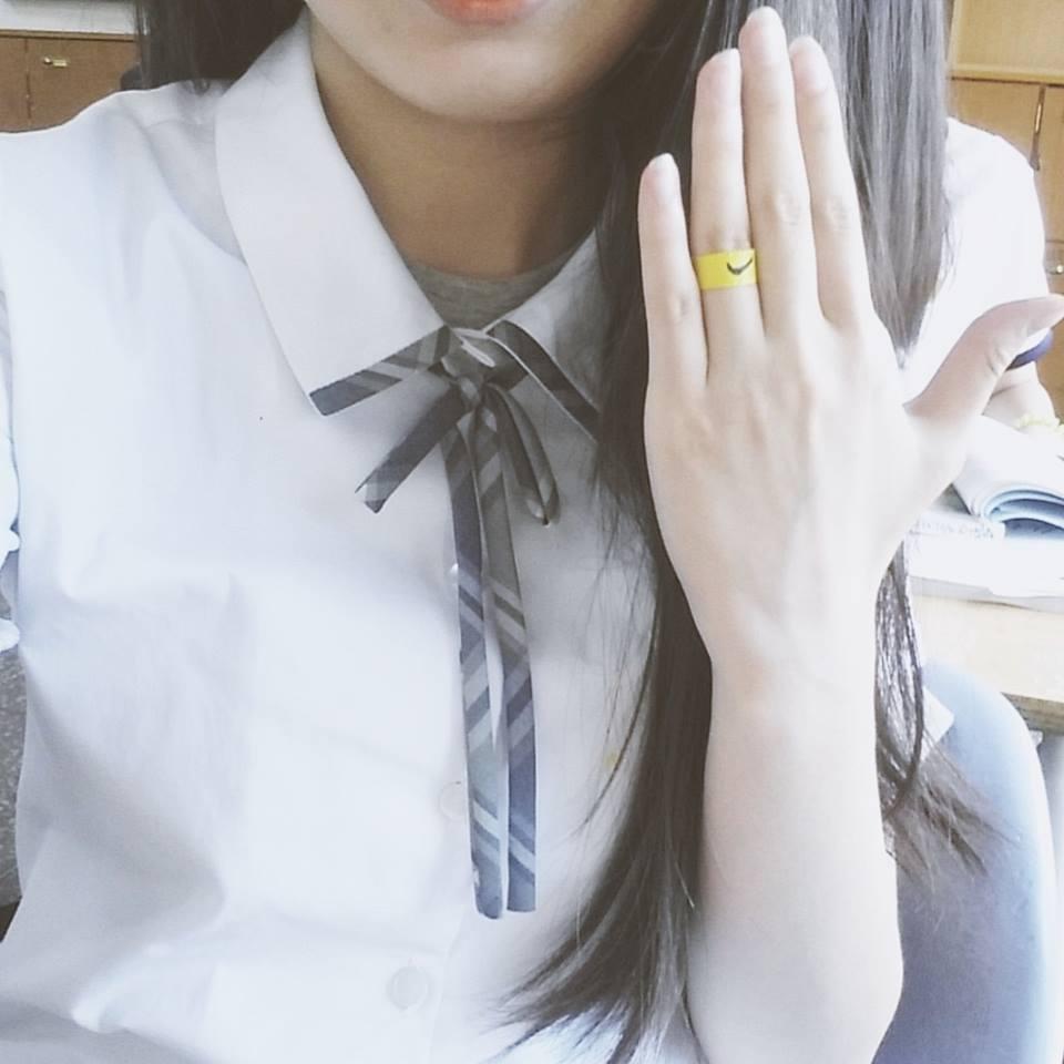 說到校服~我們學校的夏季校服有長長的蝴蝶結
