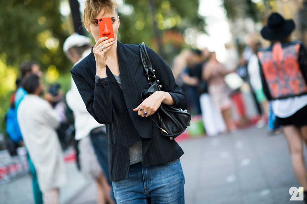 選個能夠表現自己的手機殼 讓手機殼也成為自我的時尚配件吧!