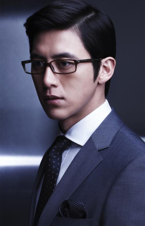 36歲的高洙~外貌好比雕刻美男般的完美!