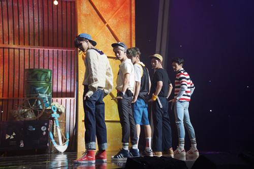而這次SHINee回歸,也表演了《Love Sick》的舞台!!!!