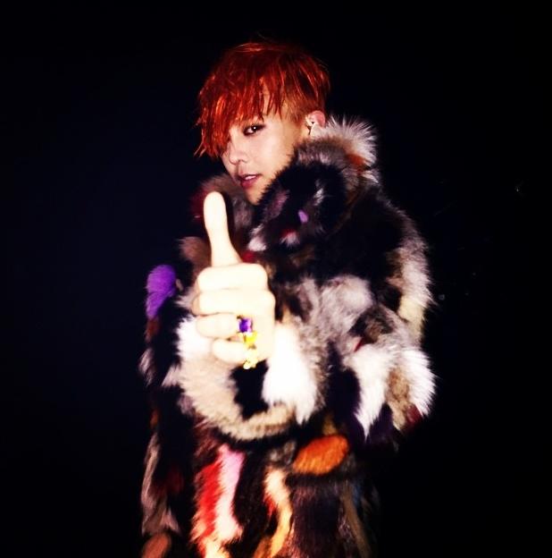 其中呢!G-Dragon更是連續兩屆(第3與第4)都參加 而且每次推出都席捲榜單~哪個主持人跟他搭配根本賺翻啊~