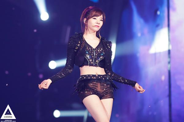 另外一位嬌小卻擁有好身材的代表~少女時代的Sunny!