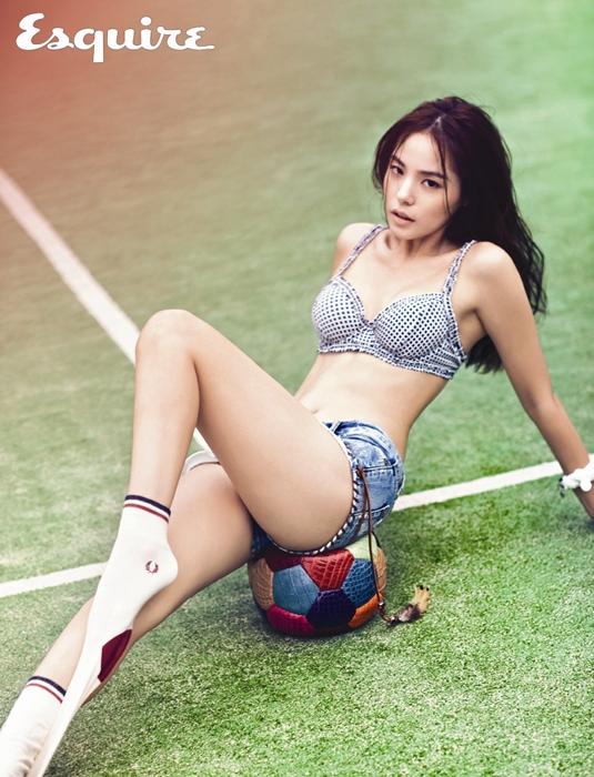 4. 演員閔孝琳(29歲)本來就是以模特兒身份出道的嘛~大家應該都跟我想得一樣齁~太陽真是貿洗啊~~(賺到了)