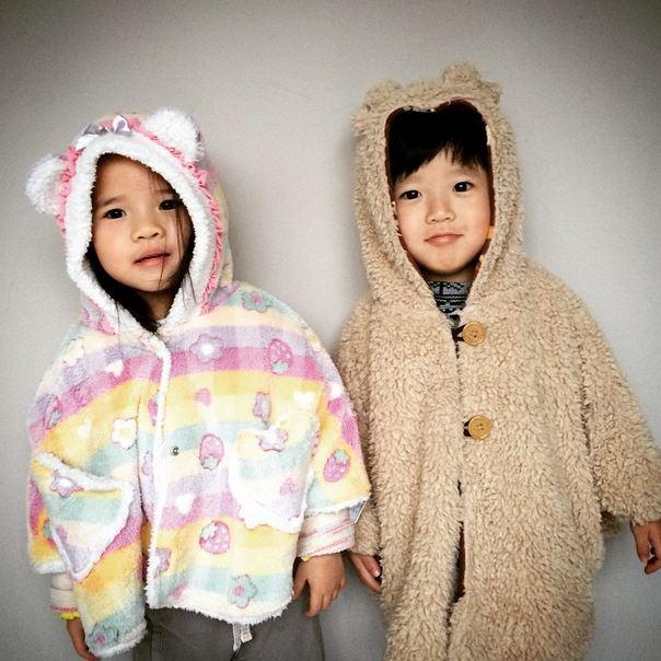 台灣的著名龍鳳胎~小豬小羊?大家多少都知道吧!他們的可愛笑容,是不是也默默融化了你的心呀?