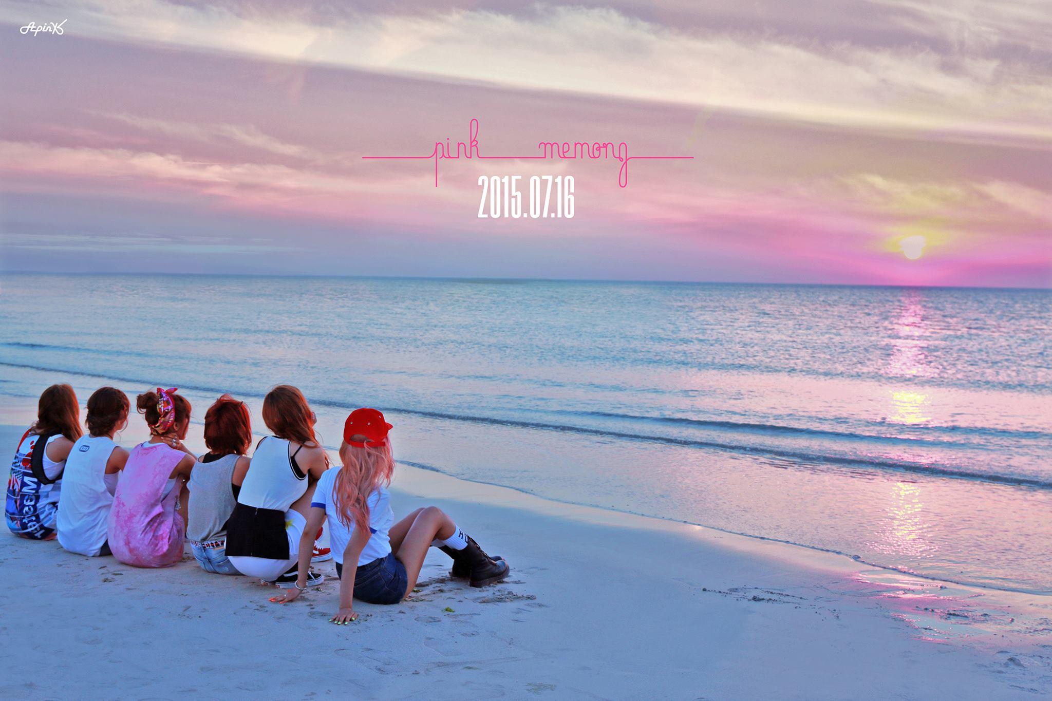 最近大勢竄升的女團Apink昨天也公開回歸照片! 居然!剛好跟少女時代這次回歸的形象一樣!都是在海邊啊! (怎麼樣?大家現在是說好了嗎?)