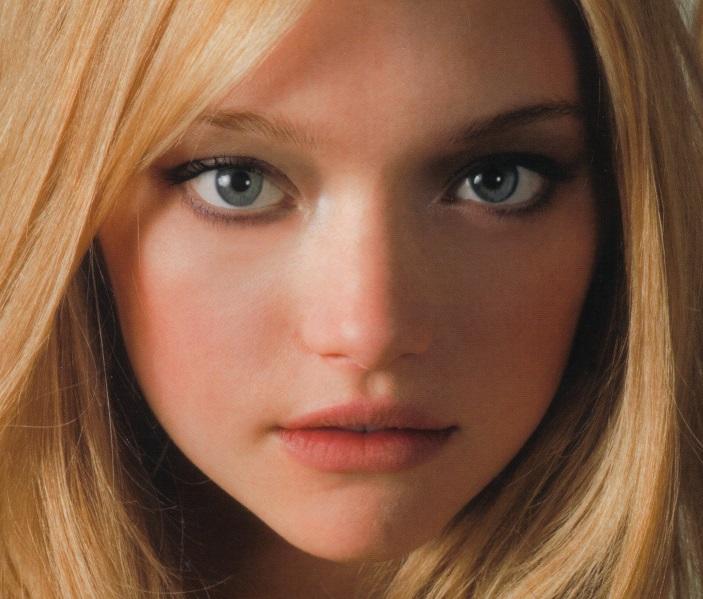 而且吉瑪·沃德還有一雙深邃的藍眼睛✩