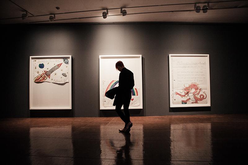 因此他把這次展覽名為《PEACEMINUSONE》,意思是『理想世界是「和平(peace)」的,現實世界是「令人不滿足(minus)」的,展覽正是要展示二者的「交點(one)」。』