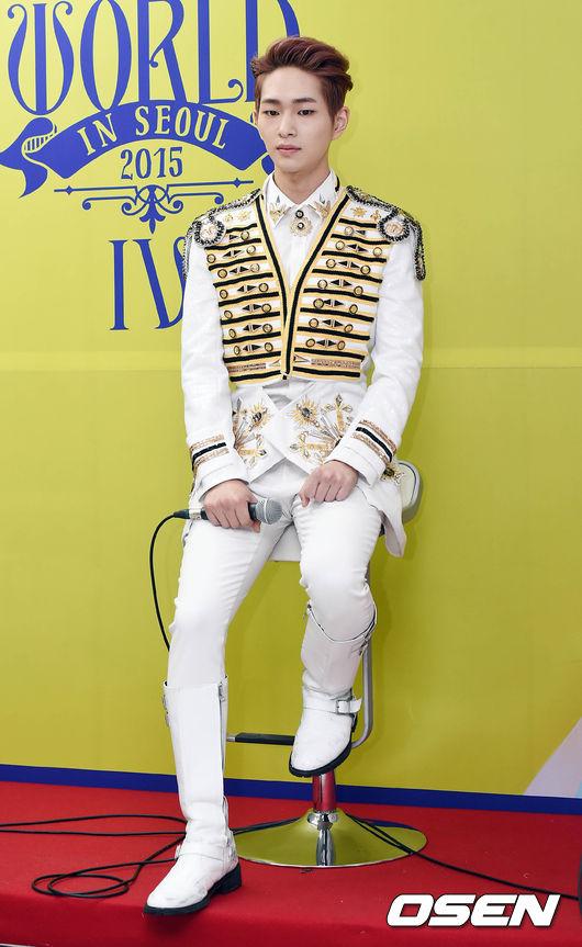 *SHINee 溫流—歌手: 吃到辣的時候,感覺會瘋狂咳嗽(笑)