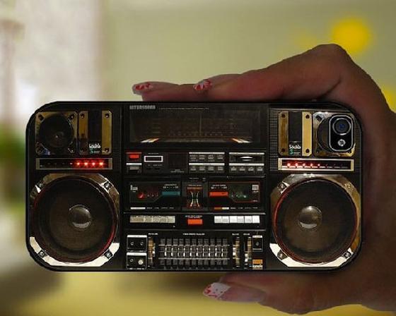 哇,好迷你的收音機啊!