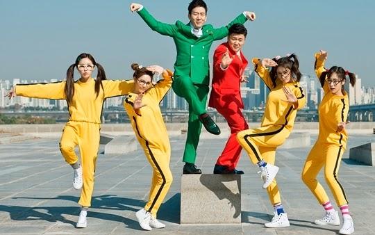 不過為何T-ara在中國特別火呢? 大概要歸功於去年與中國雙人團體「筷子兄弟」合作推出《小蘋果》 超中毒超洗腦!打開了中國知名度~