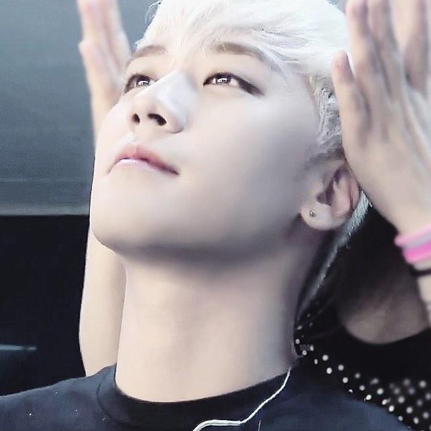 1. BIGBANG 勝利
