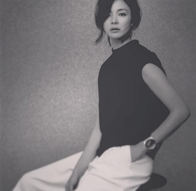從1994年出道以後,已經在日本模特兒界活躍了20年了耶~綽號:「魅力志保」的她,真的不枉這個別名,是日本女性們,心目中的指標!