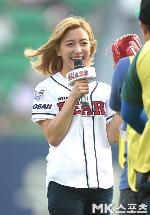 因為明明在首映會的一周前(也就是7月2日) Luna走出來時大家還認得她啊!!!