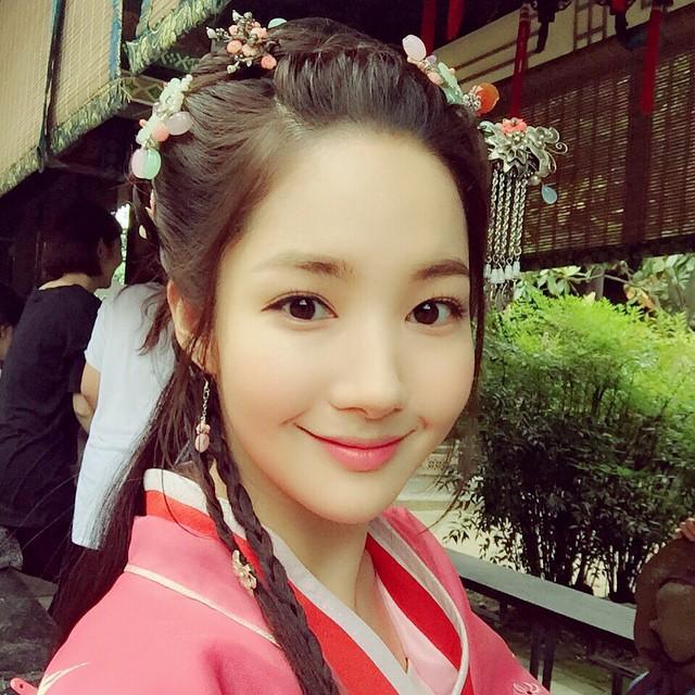 好久不見的朴敏英原來跑去中國拍電視劇了~古代人有醬美的美女嗎??