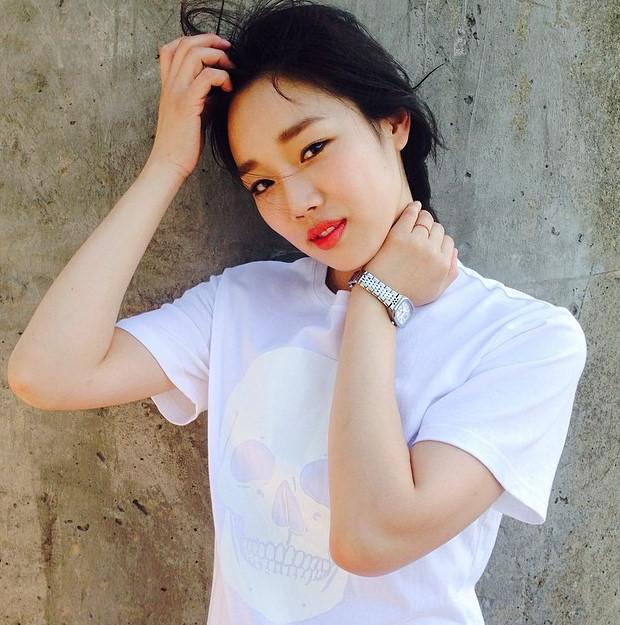 鄭妍周—電影演員,1990年2月13日生,現年25歲, 167公分,48公斤。所屬於JI Story娛樂。