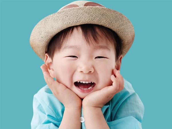 # 演員宋一國的長男—宋大韓 <超人回來了>的人氣三胞胎!三胞胎的大哥大韓~可愛,當大哥又有模有樣的,很有責任感,讓許多觀眾都融化!