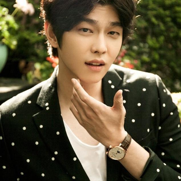 最近他正出演韓版《我不可能會愛你》,叫做《愛你的時間》裡,飾演王陽明的那個不討喜的角色XDD,但是帥氣是不爭的事實(滿頭愛心)