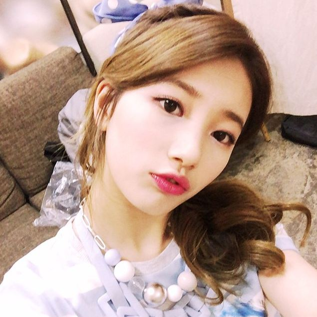 # miss A 秀智:一男二女中,排行老二(大姐-秀智-弟弟)