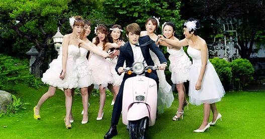 接下來這位可是眾多兄弟姐妹代表中的代表~JYJ的金在中....☆ 一男八女呀~~~~在中有8位姊姊呢!!!!