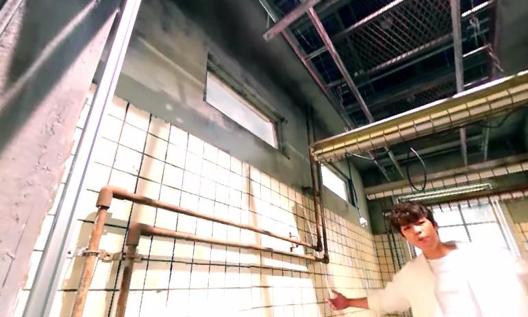 牆壁、水管~~~這位帥哥是誰!??!?!