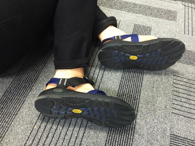 鞋底的特殊防滑設計,更是有機能性的喔!能夠幫助抓住身體的正確姿勢呢!