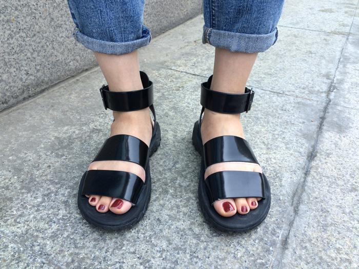 非常有個性的歐美風拖鞋,就適合專門收集好萊塢相關情報的小編!!!!!
