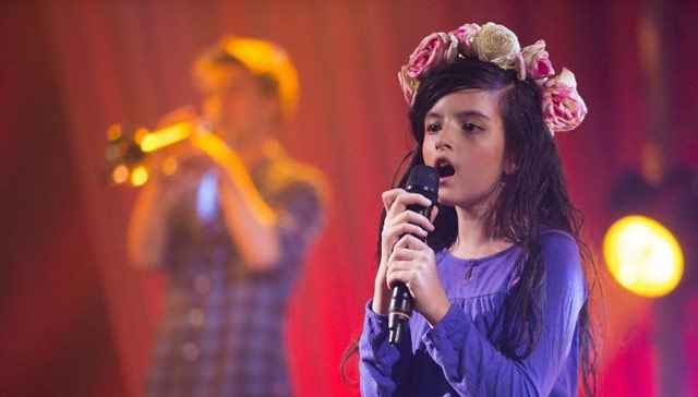 小小年紀,已是全世界知名的少女~ 期待她趕快長大,成為新一代的艾美懷絲!!!!!
