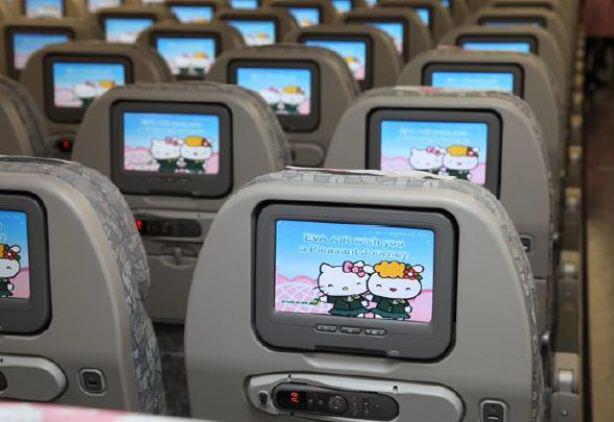機艙內座位上也都是凱蒂貓♥♥