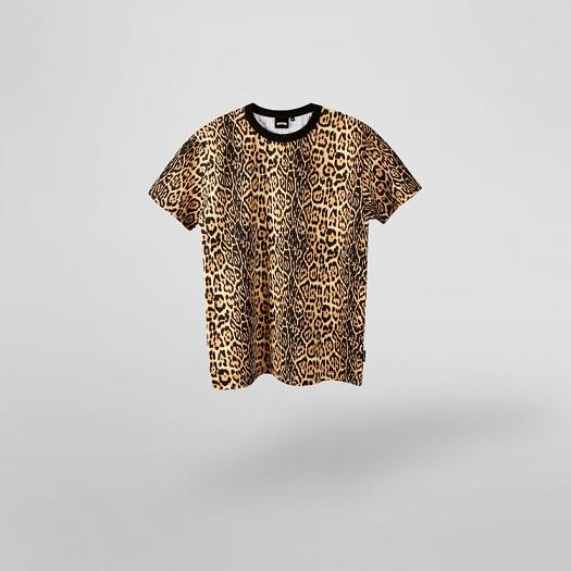 #leopard short sleeve shirt 豹紋短袖T  比起搭配一般的褲子,豹紋圖案的T-shirt搭配搭配丹寧牛仔,似乎比較有fu耶!!動物圖案比較難消化,所以整體造型都必須要走一個帥帥帥路線才有氣勢啊!