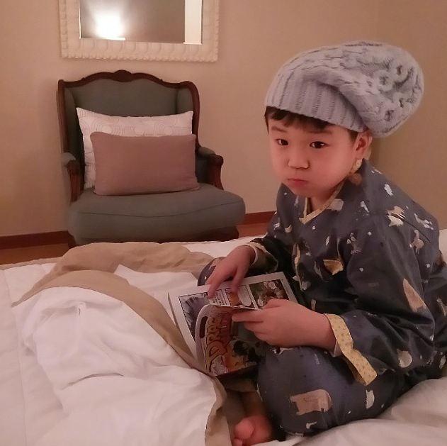每個星期日讓全家大小都幸福的歌手尹敏洙的兒子,天使般可愛的尹厚
