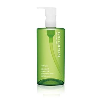 綠茶卸妝油 / 植村秀 / 450ml / 台幣售價約2800元  可以乾淨卸妝的優秀卸妝油。抗氧化的成分,因為空氣污染而造成皮膚、毛孔等問題都能夠洗淨,還給肌膚一個乾淨的狀態。