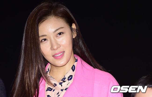 就是最近韓版<我不可能會愛你>的女主角 河智苑!!!
