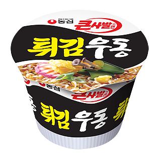 第六名:農心 炸物烏龍麵<大碗裝> 銷售額:245億韓元
