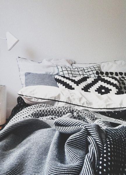 如果男友的床單像這樣的話,好有氣氛呀~躺著都不想下來了>////< (線條控心聲~)