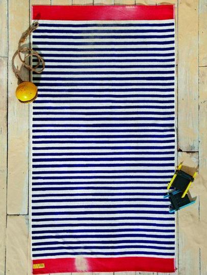 夏天到了,去海邊時絕不會忘記帶的大毛巾,當然也要線條啊!(可以的話,連比基尼都想要有線條,搭成一整組!!!)