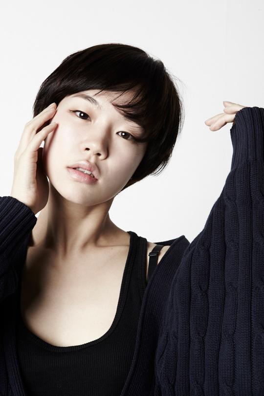 演員—韓藝里 出生: 1984 年 12 月 23 日(30 歲) 代表作:<朝韓夢之隊>、<同窗生>、<海霧>