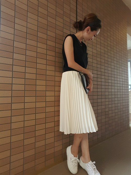 >>>裙子×白布鞋