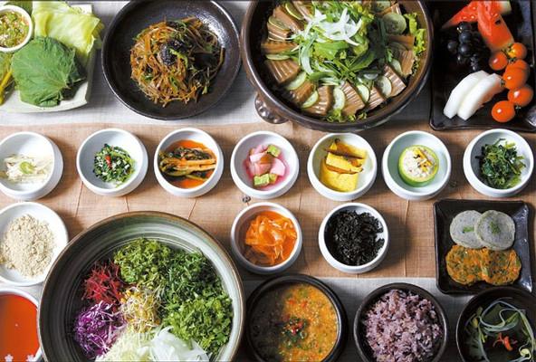 以多樣化食物聞名的韓國食物,不管是小菜,正餐都讓外國人欲罷不能