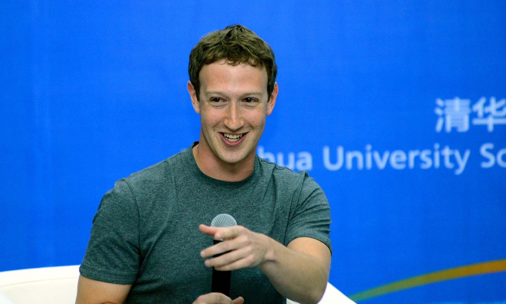藉由Photobox,令臉書的創辦人馬克·祖克柏非常關注Kevin Strom。 Zuckerberg向Kevin Strom提議,讓他中斷學業,進入自己的公司上班,雖然如此,Kevin Strom還是決定完成學業!